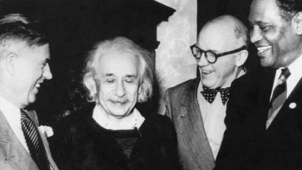 图说2 爱因斯坦和其他人