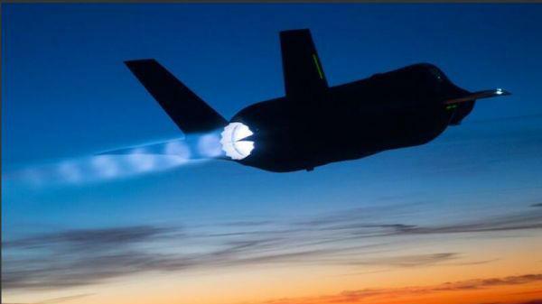 """美刊关注:F-35将拥有""""敌机威胁""""大脑"""