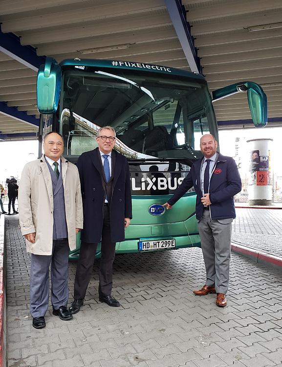 千亿国际886电动车为德国首条电动长途客运线路载客