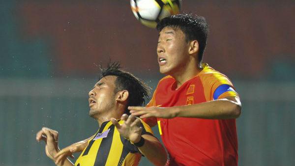 """中国足球""""和时间赛跑""""还要先站稳脚跟"""