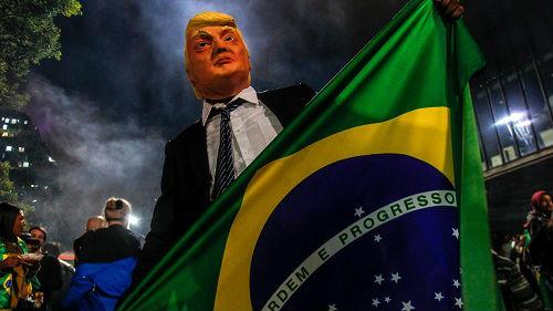 """博索纳罗当选巴西新总统 法媒讲述其""""另类""""政治生涯"""