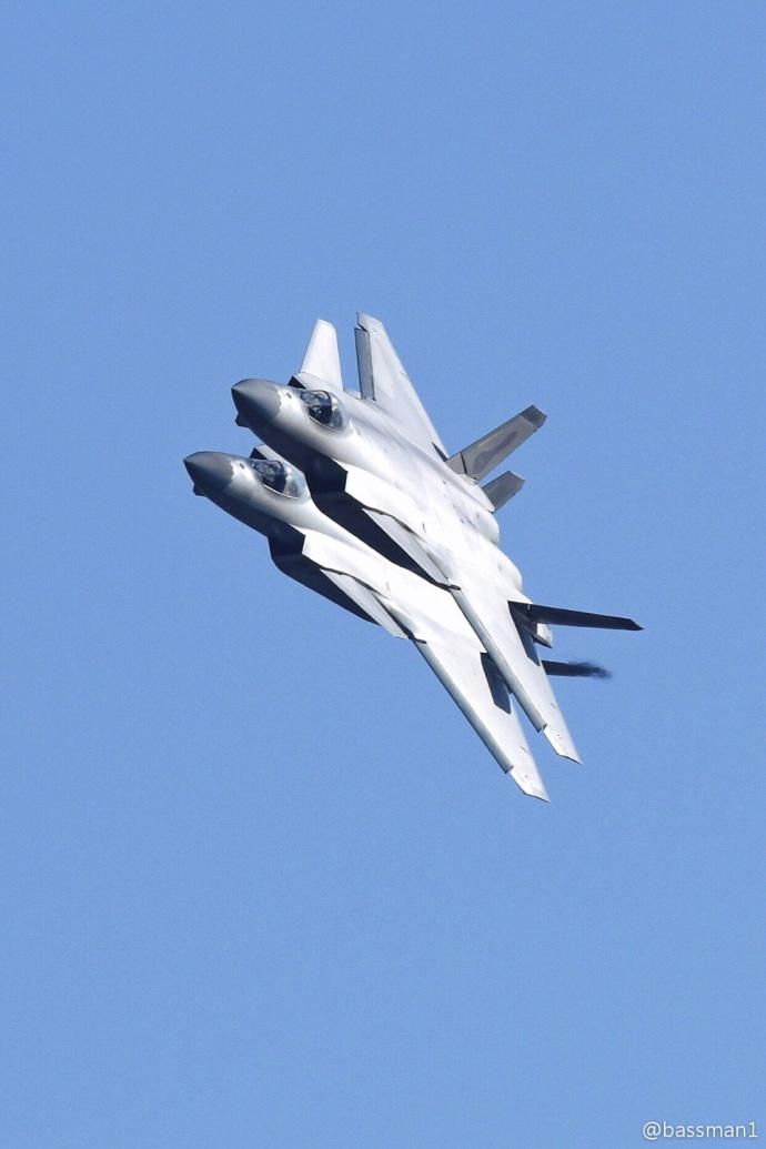 备战航展!多架歼-20隐身战机现身珠海