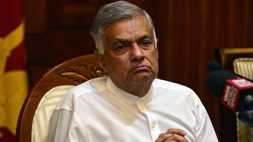 外媒?#26680;?#37324;兰卡被撤总理拒不?#24230;?议长呼吁通过议会解决问题