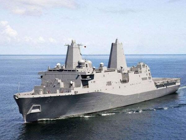 图为圣安东尼奥级两栖船坞运输舰
