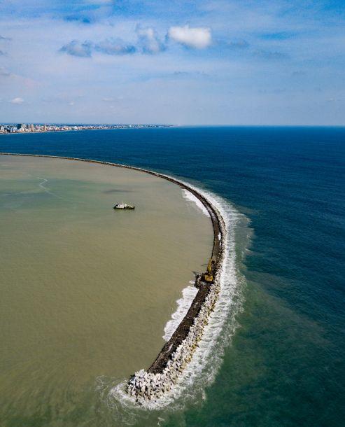 """高端技术助力中国企业建设斯里兰卡""""未来之城"""""""