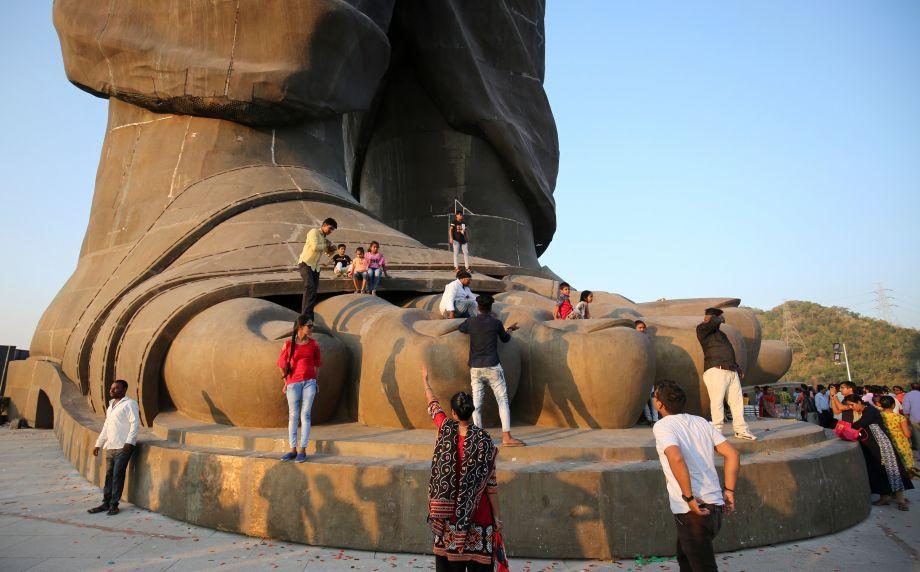 世界最高塑像在印度落成 莫迪为塑像揭幕