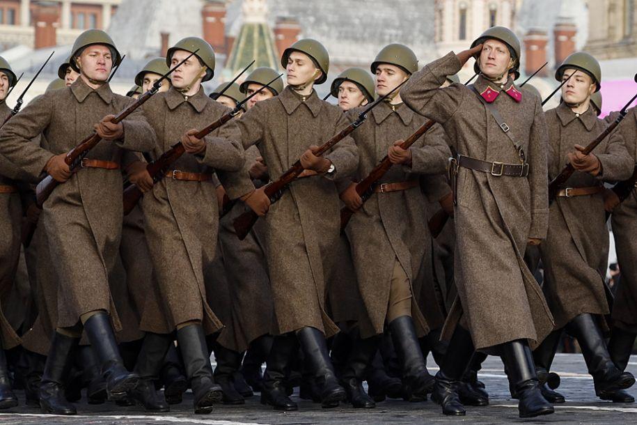 最新注册送体验金首都莫斯科举行红场阅兵