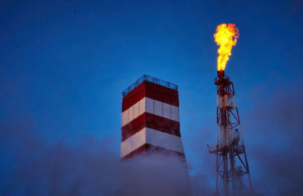 """俄罗斯""""普里拉兹洛姆纳亚""""石油钻井平台"""