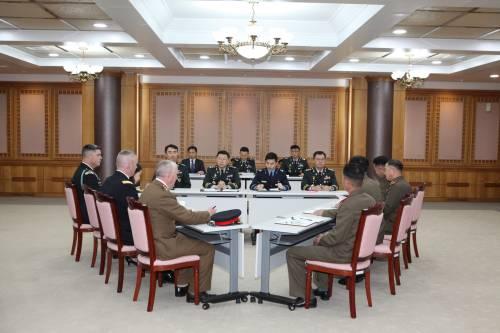 朝韩从22个前沿哨所撤兵 之前已清除大批地雷