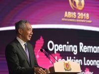 新加坡总理呼吁东盟国家进一步加强开放和融合
