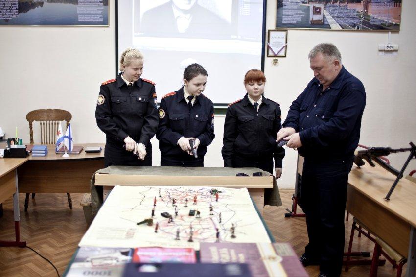 探访俄罗斯女子军校:纪律和秩序无处不在