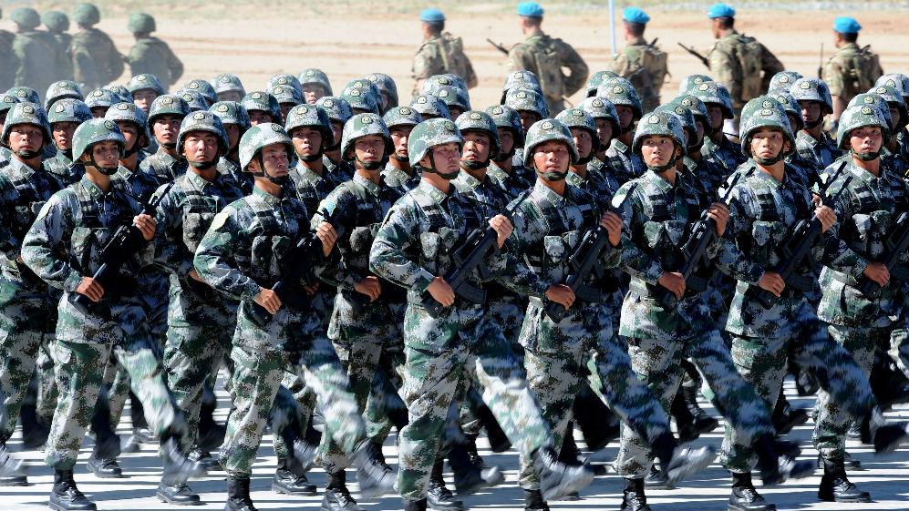 """外媒:美报告渲染解放军将在印太地区""""抗衡美军"""""""