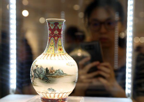 美媒:中国买家全球网罗遗失文物