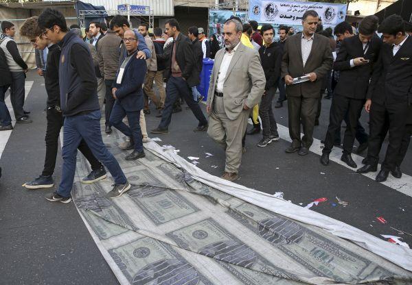 步步紧逼!美媒:美拟明天宣布伊朗违反禁止化武公约
