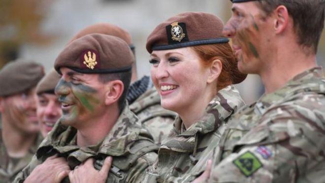 """英国如何应对""""军荒""""?英媒:女兵上火线 海外拉""""壮丁"""""""