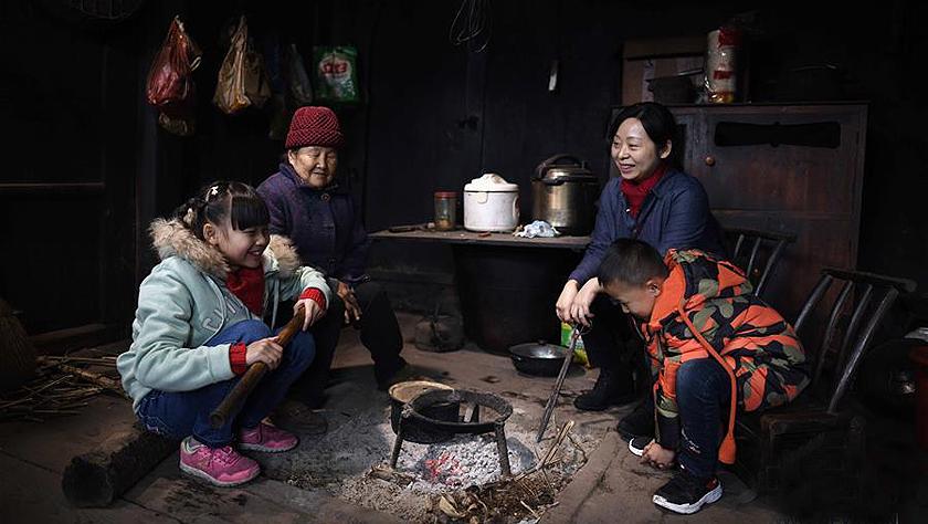 """湘西大山深处:125个孩子一个""""家"""""""