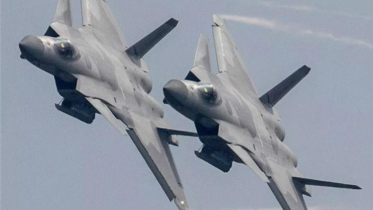 美海航缺少假想敌机?美军官竟称可派飞行员偷盗歼-20隐身战机