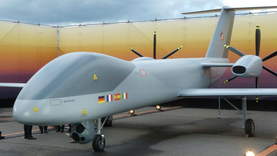 """欧盟朝组建""""欧洲军队""""迈进 批准17个防务新项目"""