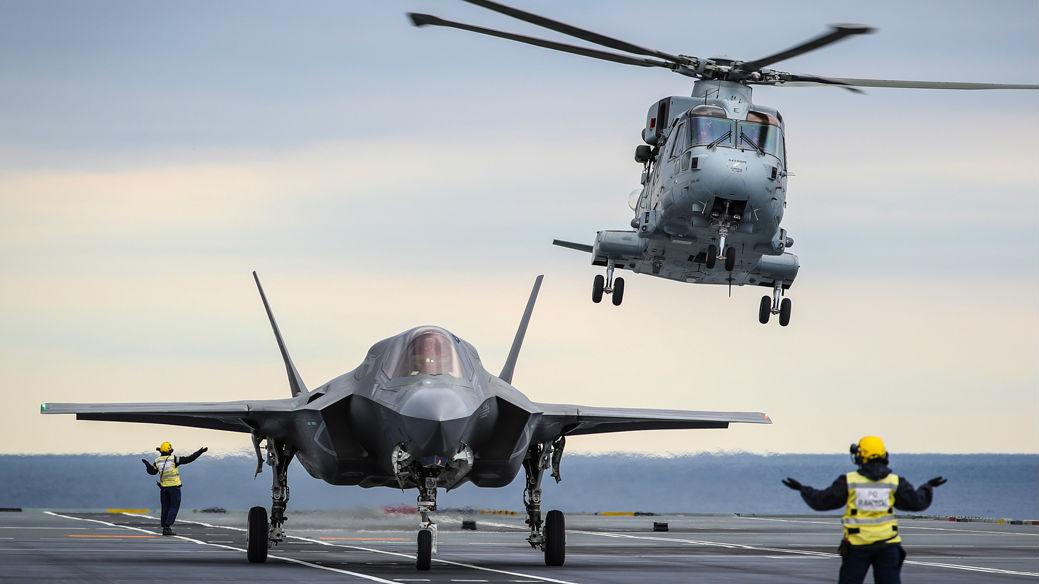"""英国防部追加采购F-35B隐身战机 拨款为美军F-35""""筑巢"""""""