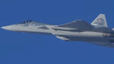 俄军曝苏-57隐身战机在叙实战视频 飞行员配新式抗荷服
