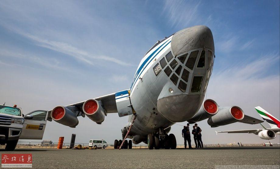 运输机有尾炮舱!记者登伊尔-76MD观光