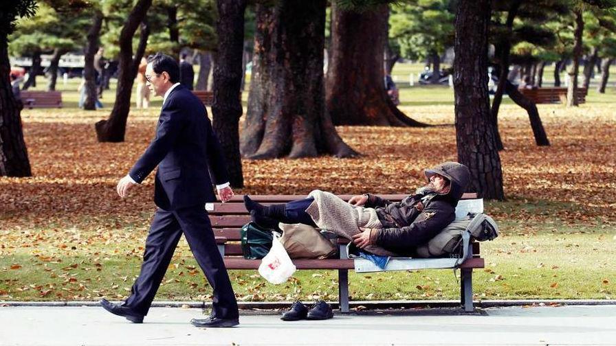 """台媒称日本贫困家庭生活窘迫:看不见未来的""""穷忙悲歌"""""""