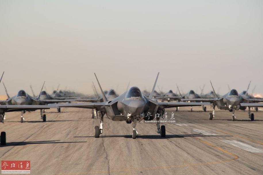 象步扬威!美F-35隐身战机集群威慑中俄