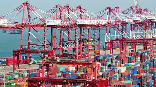 美媒:山东自动化港口全球领先 自动装卸效率一流