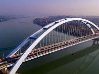 广西柳州官塘大桥建成通车