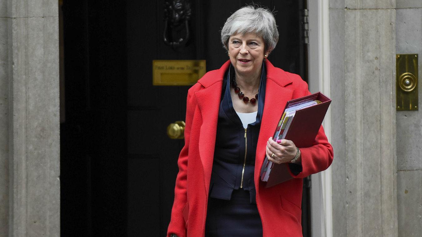 """英央行预测英国无协议脱欧""""惨状"""":GDP直降10%"""