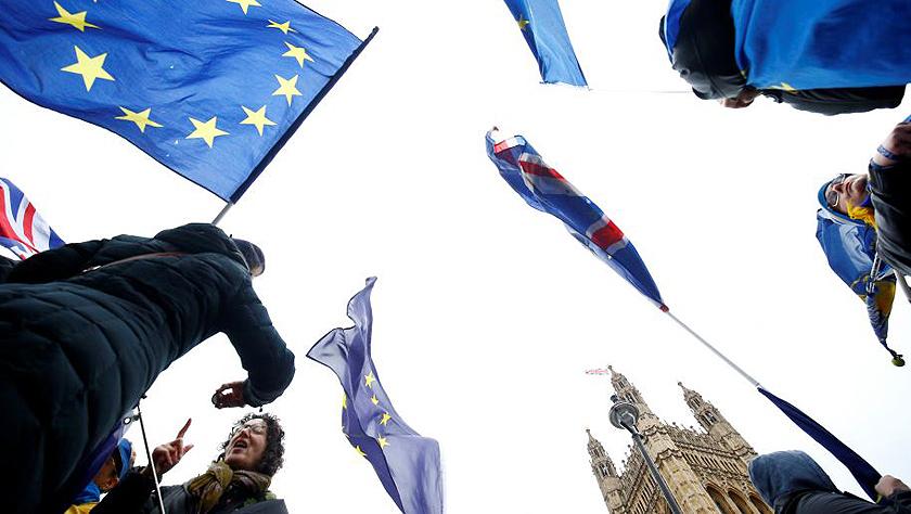 """英央行:""""无协议脱欧""""将致英国经济大幅萎缩"""