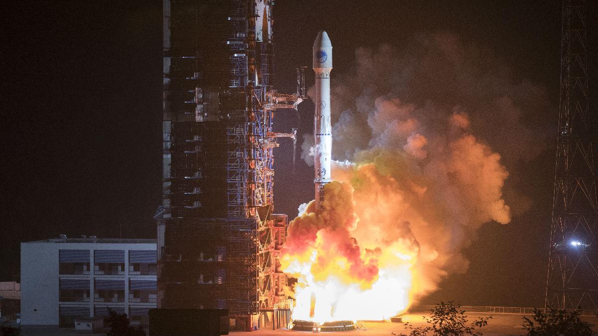"""中国用""""北斗""""摆脱对GPS依赖 美媒:中美对抗上升到天空"""