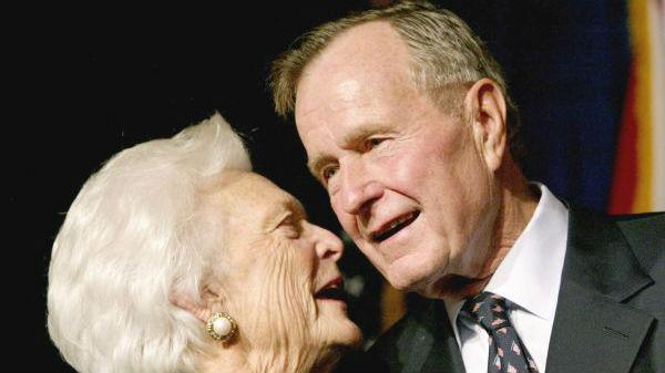美国前总统老布什去世 任期内见证最重大历史转折