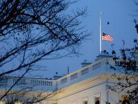 华盛顿降半旗哀悼前总统老布什