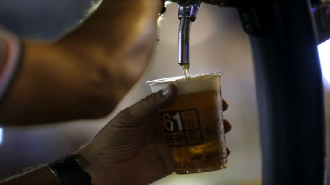 美媒称高端啤酒成中国人心头好:加拿大瞄准商机 要与澳争市场