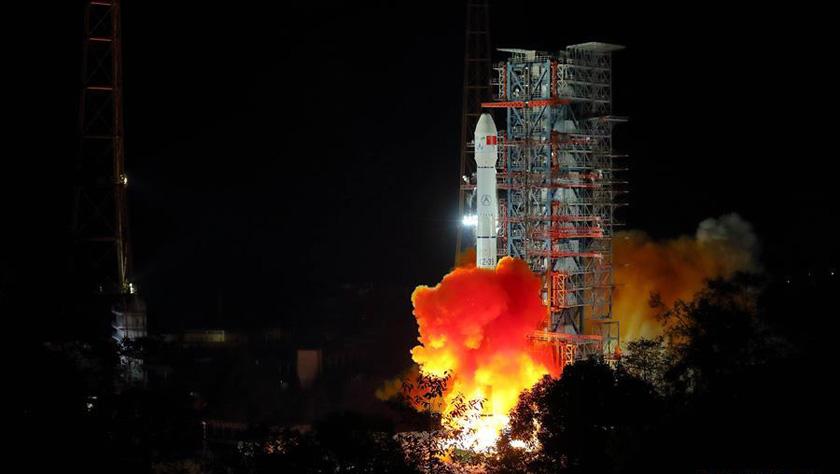 中国探月工程嫦娥四号探测器成功发射 开启人类首次月球背面软着陆探测之旅
