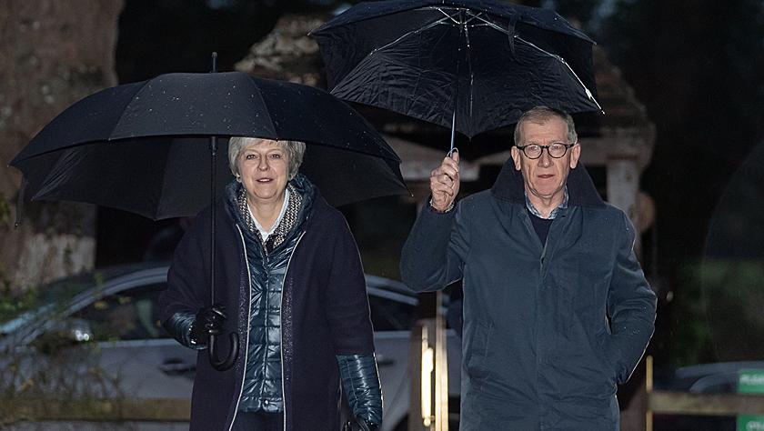 """英首相或推迟议会表决""""脱欧""""协议"""