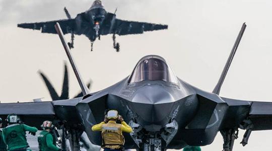 行将摆设!美军首支F-35C作战中队上舰
