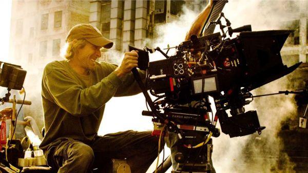 """迈克尔-贝是好莱坞知名的""""爆炸狂人""""1"""