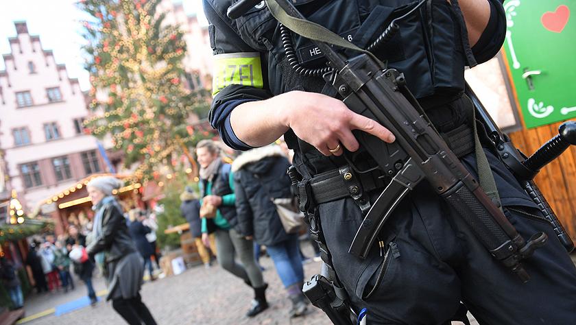 欧洲各地圣诞集市加强警戒