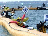 冲绳居民抗议政府强行填海造地