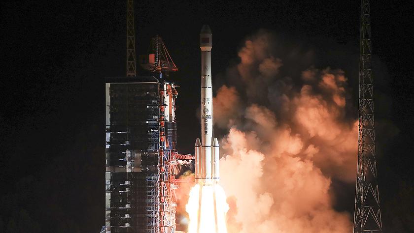 中国成功发射通信技术试验卫星三号