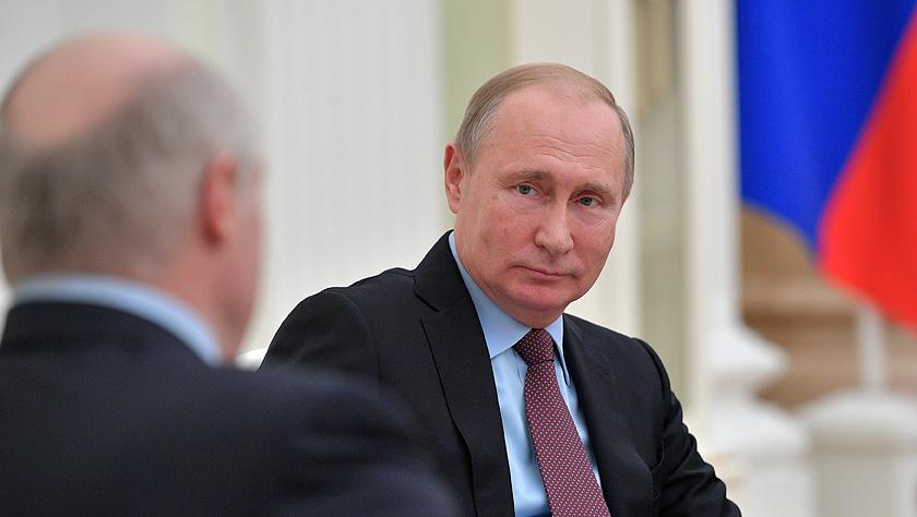 俄白总统就俄石油税收改革等问题举行会谈