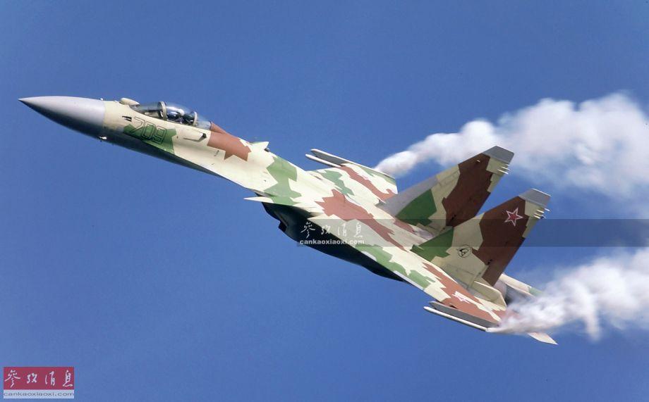 """苏-35S(旧称苏-35BM)脱胎于著名苏霍伊设计局于2003年启动的""""PAK-FA(""""未来前线战斗机计划"""",即后来的苏-57)过渡项目"""",实际是基于1988年完成首飞的苏-27M(非正式旧称也是苏-35,区别于现役型号,统称""""老苏-35"""")深度改进而来,采用了多项(应用于苏-57)五代机技术。图为苏-27M试飞资料图,可见采用的还是三翼面布局。"""