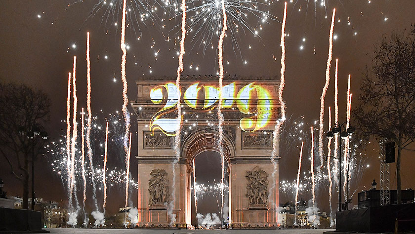 全球迎新:烟花秀庆祝新年