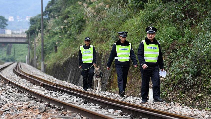 中越国际客运列车十年的平安守护