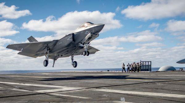 """美海军宣布F-35C下月具备初始作战能力:打败""""拖延症"""""""
