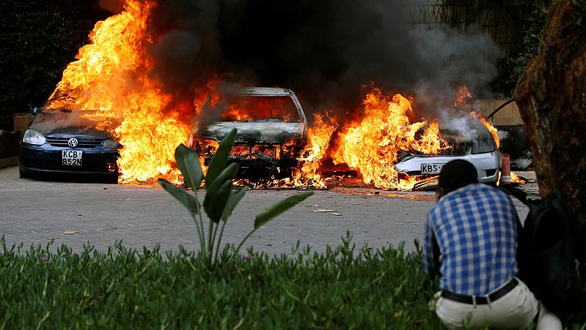 肯尼亚首都一商业综合体遭爆炸袭击 致多人死伤
