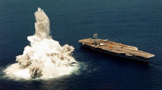 """堪比实战!美舰服役前需受""""爆炸洗礼"""""""
