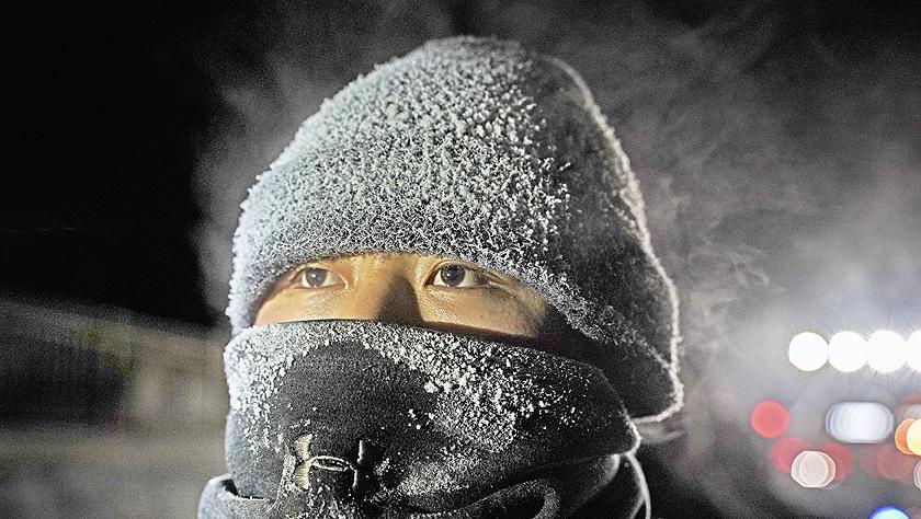 图片故事:调车员的冬日坚守